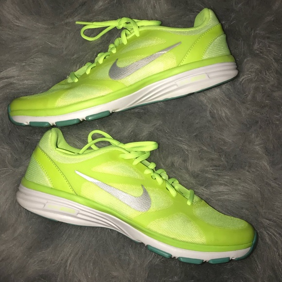 be1f4d878390 Size 7 Womens Nike Neon Yellow Tennis Shoes. M 5b774eb41070ee9578cc34f9